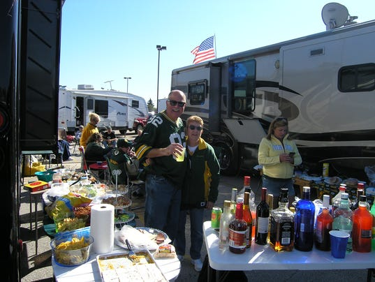 Packers RV parking