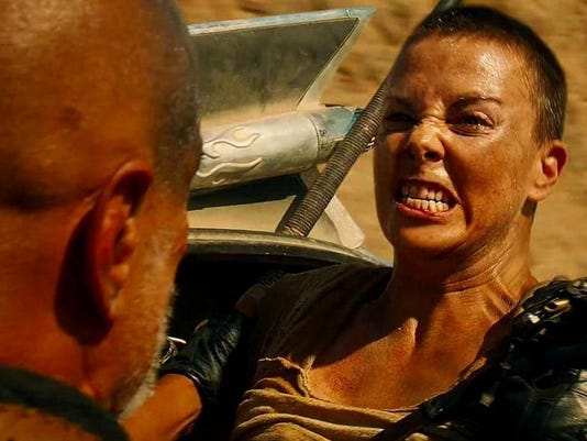 charlize-theron-in-mad-max-fury-road-movie-4