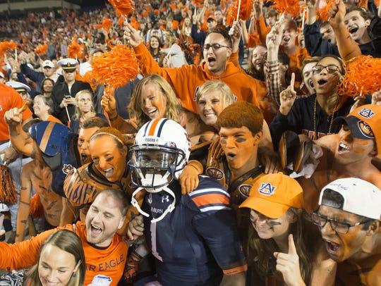 Auburn wide receiver D'haquille Williams celebrates