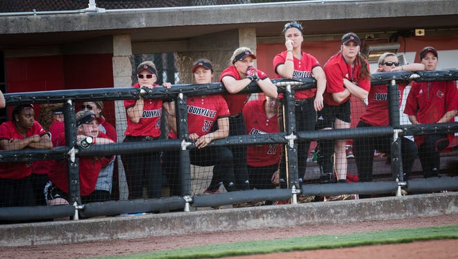 Louisville players look in from the dugout during the game played against The University of Kentucky in Louisville, Kentucky, Wednesday, April 12, 2017.  Photo: Bryan Woolston