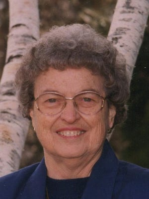 Zella Yoder Schneider, 89, passed away January 31, 2015.  Zella was born November 18, 1925 in Aurora, Kansas to Ferdinand and Lorette Marcotte.