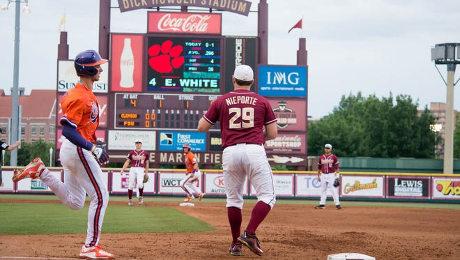 Quincy Nieporte (29) and The Florida State Seminoles lost an early lead to the Clemson Tigers, which cost them the game with a score of 4-1 at Mike Martin Field in Tallahassee, FL on Thurs., May 14.