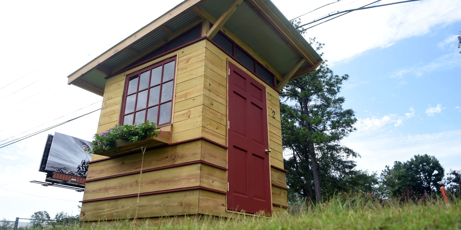 Hattiesburg architect opens tiny house factory