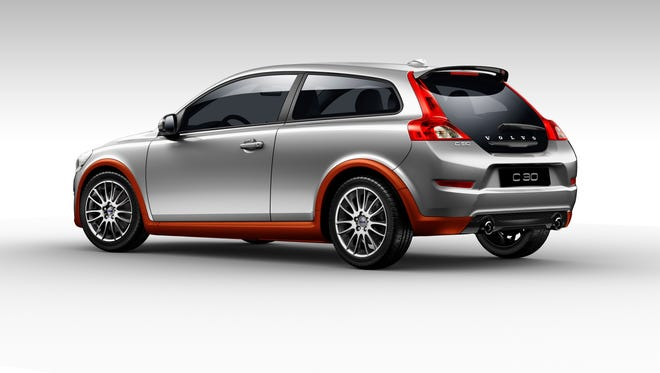 In the mid-size category, the Insurance Institute for Highway Safety recommends the 2008 or newer Volvo C30s. It offers just about all the sport a teen needs while coming in at less than $10,000.