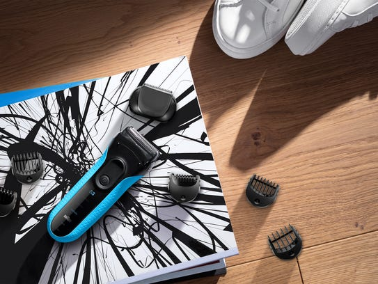 The Braun Series S3 Shave & Style Clean&Charge Station,