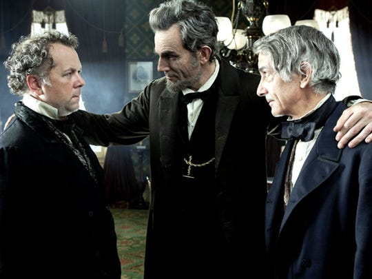 """In """"Lincoln,"""" Steven Spielberg makes political horse-trading"""