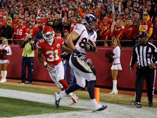 -Broncos_Chiefs_Football_MOKS175.jpg_20131201.jpg