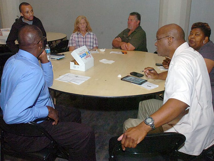 Candidates qualify for the November 2014 elections in St. Landry Parish