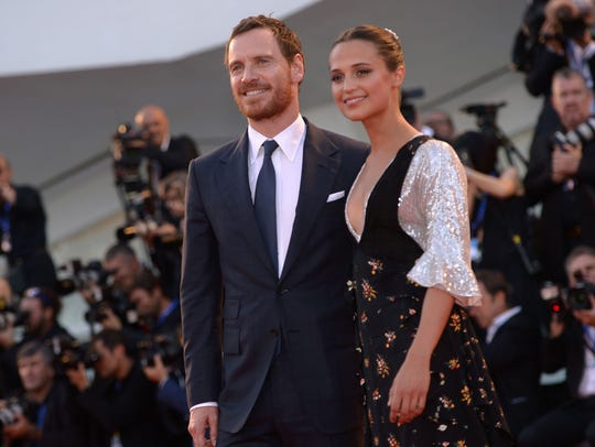 The couple posed at the premiere of 'The Light Between