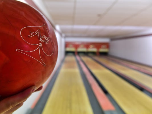 636555023050046909-BroadmoorBowlingAlley2.jpg