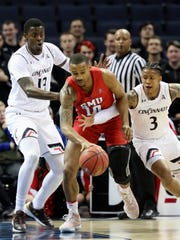 AAC_SMU_Cincinnati_Basketball_51140.jpg