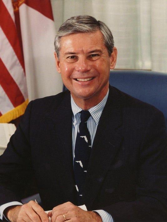 Bob_Graham,_official_Senate_photo_portrait,_color