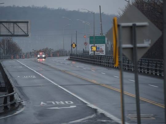 The Mid-Hudson Bridge is closed in both directions