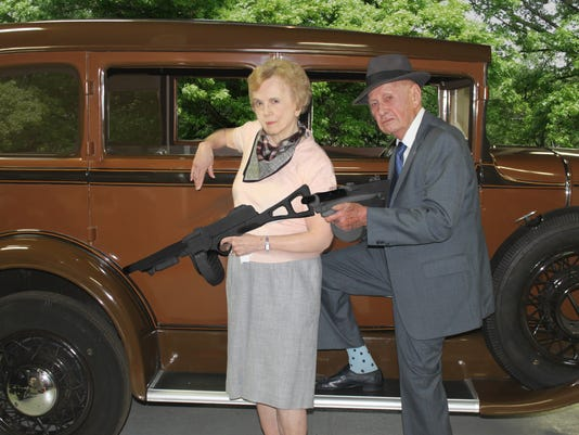 636457507577407096-bonnie-and-clyde.jpg