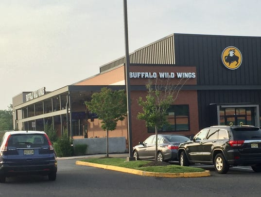 Buffalo Wild Wings scene of meth bust