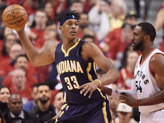 635977712484086305-Pacers-Raptors-Basketball-mjohnso-pal-item.com-34.jpg