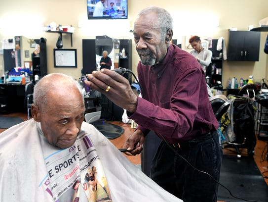 Oprah for president? The buzz at Winfrey's barbershop in ...
