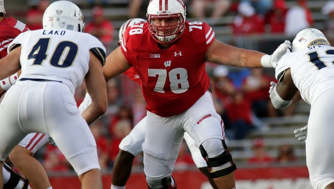 Wisconsin offensive lineman Jason Erdmann during a game last season.