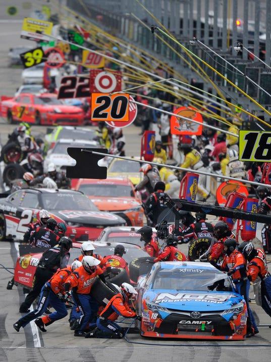 Who Won The Sprint Car Nascar Race Today