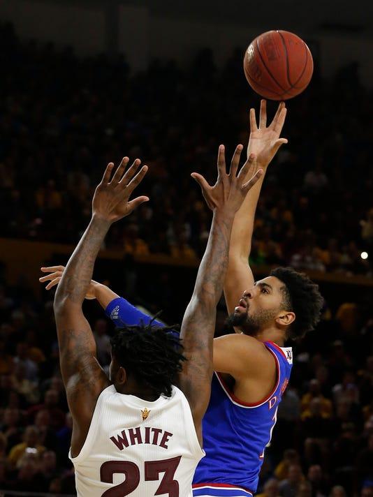 Kansas_Arizona_St_Basketball_25278.jpg
