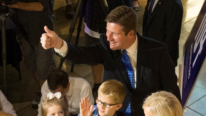 Phoenix Mayor Greg Stanton gives a thumbs up to supporters at Desoto Central Market in Phoenix August 25, 2015.