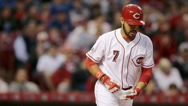 Cincinnati Reds third baseman Eugenio Suarez (7) takes first on a walk in the bottom of the fourth inning.