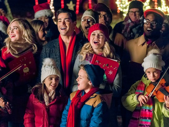 """Jesse Metcalfe and Fiona Gubelmann star in """"Christmas"""
