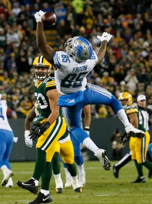Lions' Eric Ebron can't catch a pass in the first half against the Packers, Monday, Nov. 6, 2017 in Green Bay.