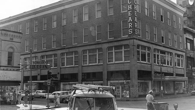 In 1915,  A. P. Lahr and Son Department Store was built on the corner of Fourth and Locust Streets and designed by Shopbell and Company architects.