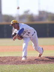 Moody's Dominik Lopez pitches in the game against Pharr Valley View at Cabaniss on Saturday, May 13, 2017. Moody beat Valley View 10-0 in five.