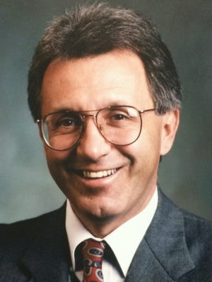 Dr. Walter Delecki