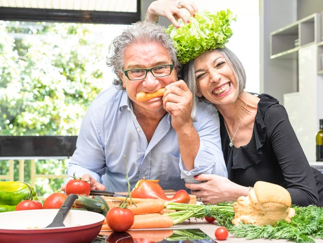 Enjoy cooking with your partner or friend - download simple & delicious recipes!