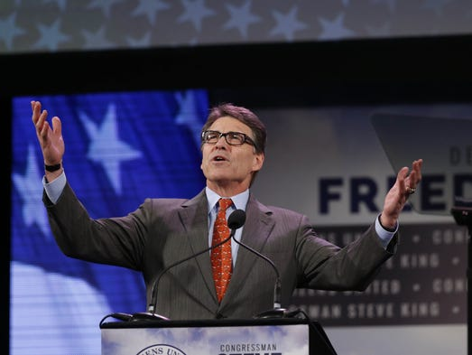 Former Texas Gov. Rick Perry delivers his speech Saturday,