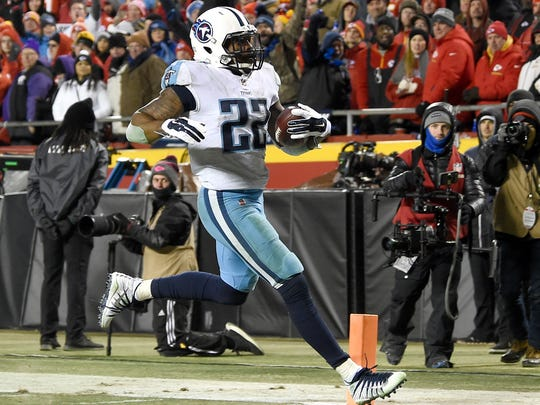 Titans running back Derrick Henry (22) scores during the second half at Arrowhead Stadium Saturday, Jan. 6, 2018 in Kansas City , Mo.