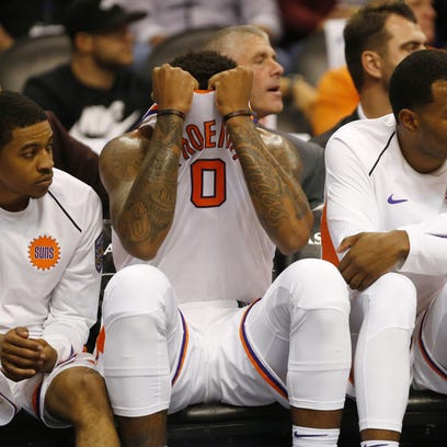 Phoenix Suns forward Marquese Chriss (0) pulls his