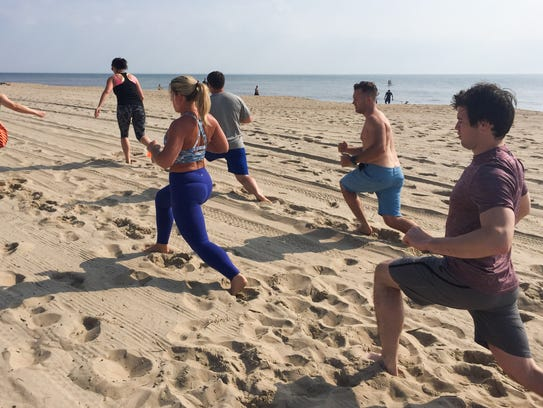 An example of exercises during a Dewey Beach Fit class