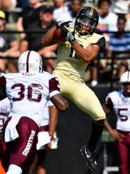Vanderbilt wide receiver C.J. Duncan (19) makes a catch