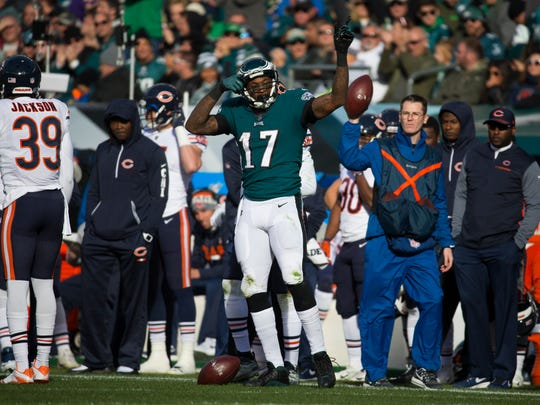 Eagles' Alshon Jeffrey celebrates after gaining a first down against the Bears Sunday at Lincoln Financial Field.
