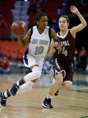 Shemera Williams (left) led Milwaukee Academy of Science to the Division 5 title game last season. The team will play in Division 4 this year.