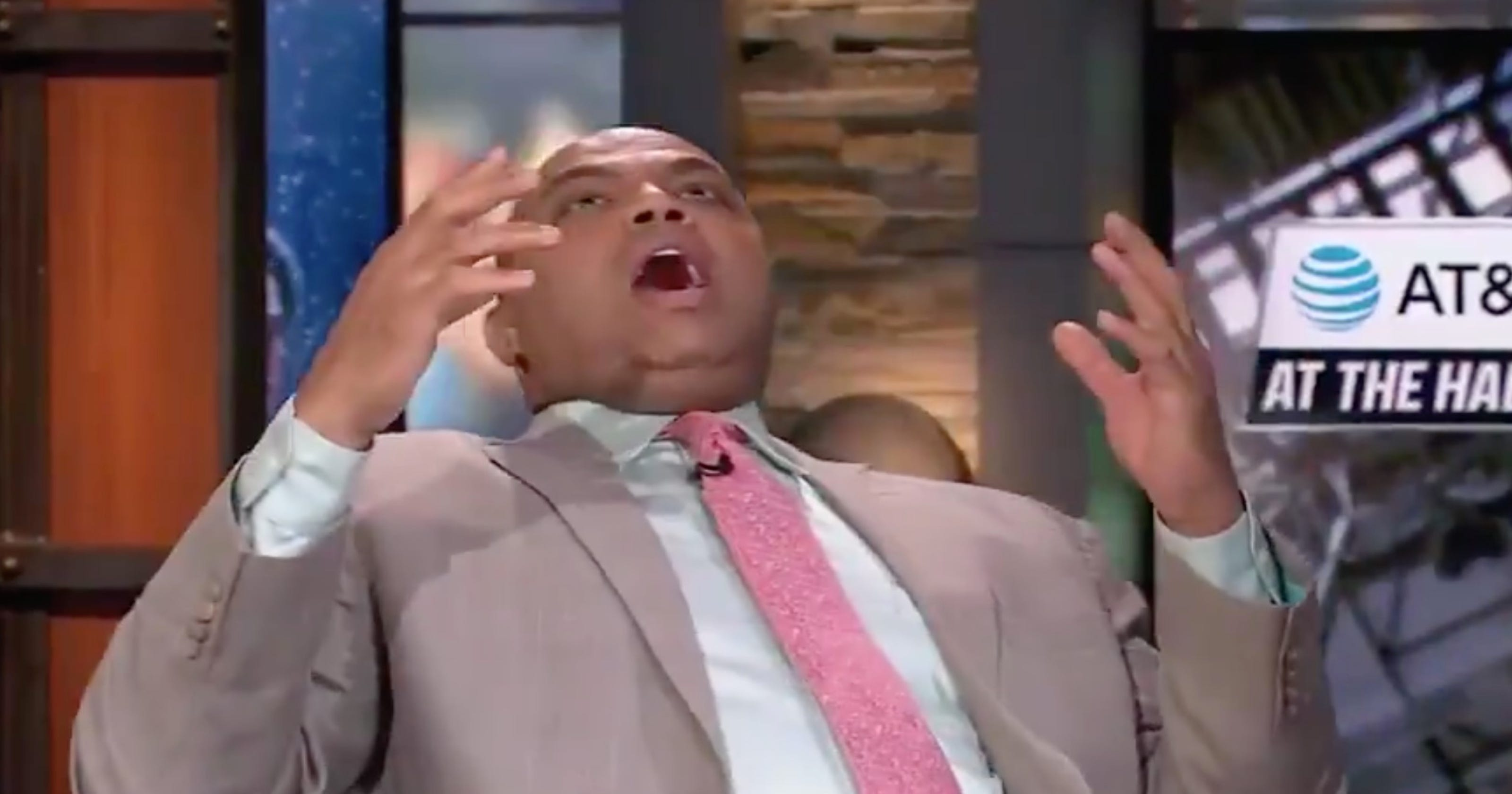 Charles Barkley was freaking out during the Auburn-New Mexico State game