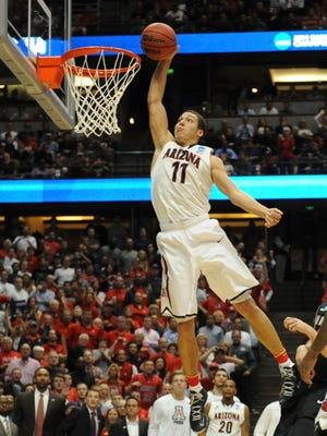 Aaron Gordon (11) and the Arizona Wildcats take on Wisconsin in the Elite Eight on Saturday.