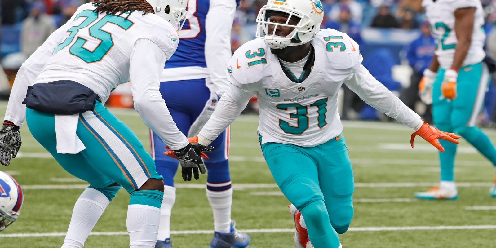 Dolphins earn 1st playoff berth since 2008 with Denver loss