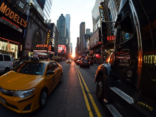 US-MANHATTANHENGE
