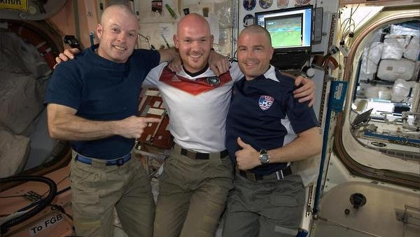 A bet is a bet. U.S. astronauts Steve Swanson and Reid Wiseman fulfilled their promise to crewmate Alexander Gerst of Germany and shaved their heads following the U.S. soccer team's loss to Germany on Thursday.