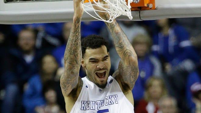 Kentucky forward Willie Cauley-Stein dunks against Auburn.