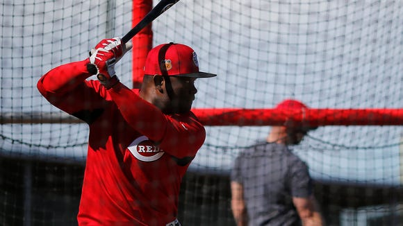 Cincinnati Reds second baseman Dilson Herrera (15)