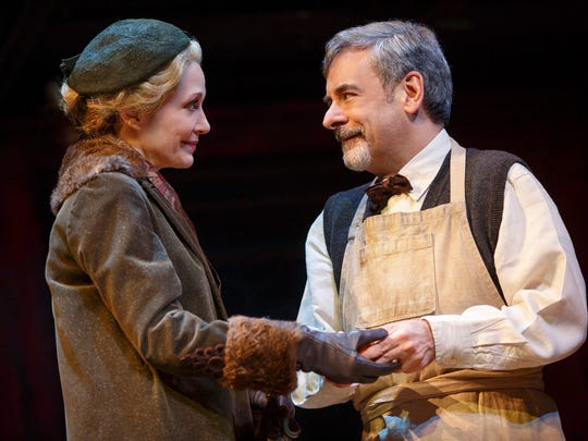 """Shannon Cochran as Fräulein Schneider and Mark Nelson as Herr Schultz in the 2016 National Touring production of Roundabout Theatre Company's """"Cabaret."""""""