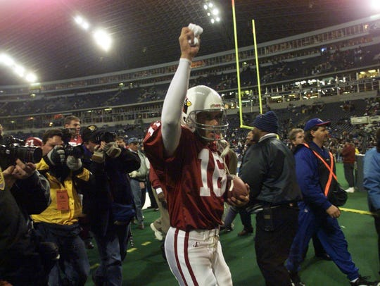 Jake Plummer led the Cardinals to a 20-7 upset over