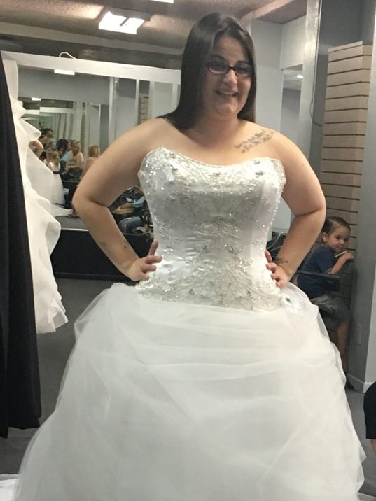 Alfred Angelo shuts down, leaving Phoenix-area brides in panic