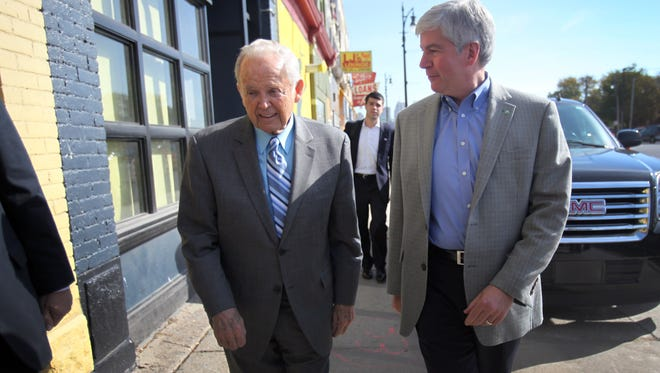 In 2010, former governor William Milliken joined Gov. Rick Snyder -- than a candidate for governor -- en route to lunch at Slow's Barbeque in Detroit.